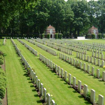 Arnhem War Cemetery - Holland Battlefield Tours